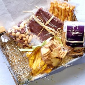 THE REAL SNACK BOX